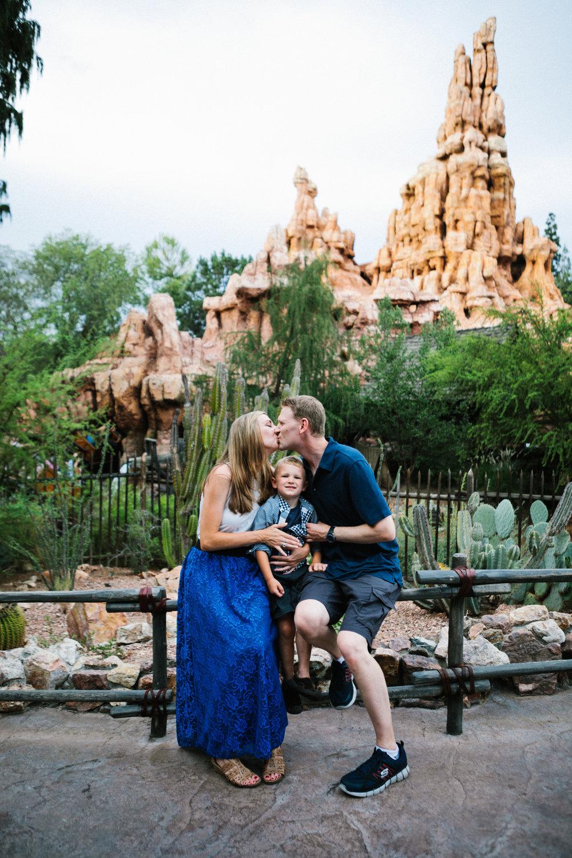 disneyland family photographer-1020.jpg