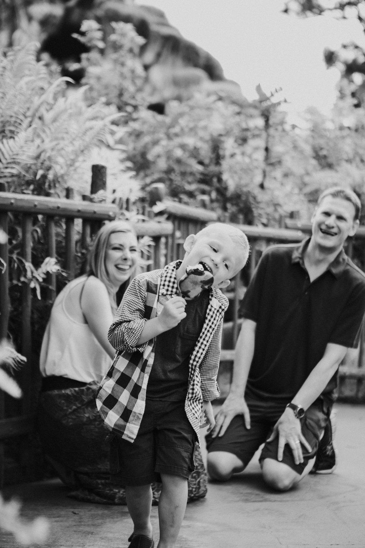 disneyland family photographer-1032.jpg