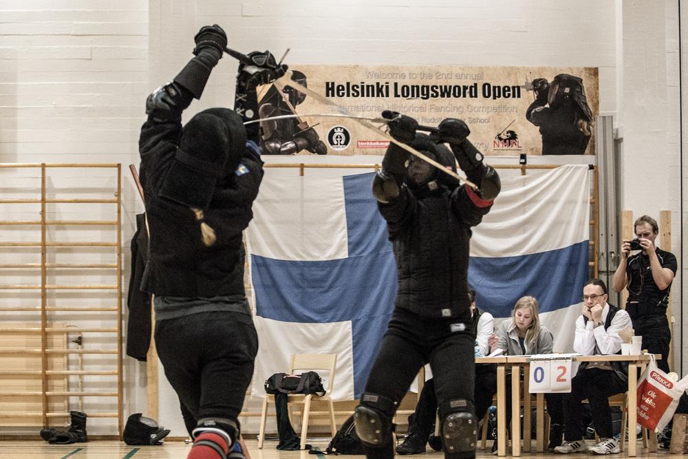 Norjan Margit Reiersen (vas.) ja Eliisa Keskinen (oik.) kohtasivat Helsinki Longsword Openin naisten sarjan finaalissa.