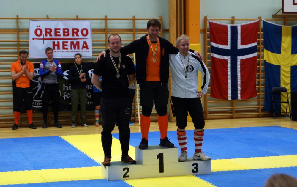 Pitkämiekan sekasarjan finalistitAxel Pettersson, Ties Kool ja Kristian Ruokonen (Kuva Sara Vertanen).