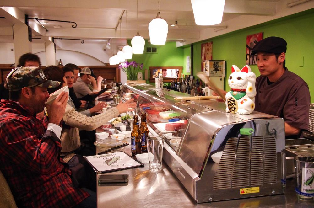 Pescado Sushi_Interior & Staff-2.jpg