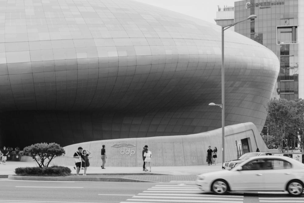 BecomingSeoul-DongdaemunDesignPlaza-5