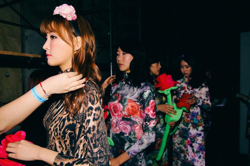 Backstage-SeoulFashionWeek-FW15-12
