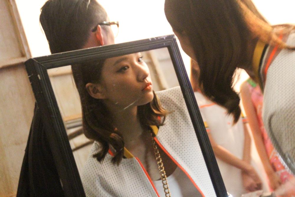 SeoulFashionWeek-SS16-AndyNDebb-backstage
