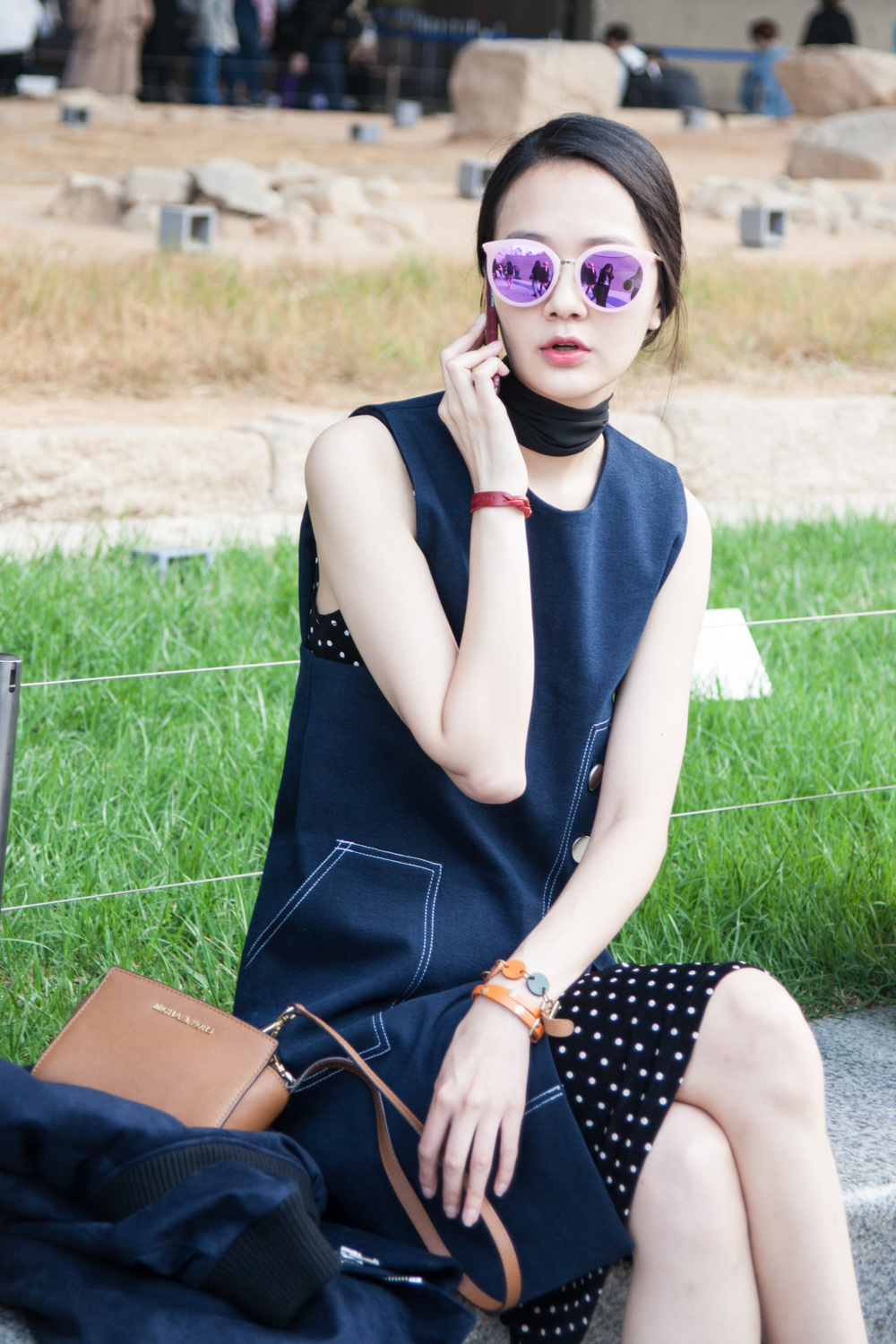 SeoulFashionWeek-SS16-street-style-mirrored-sunglasses-2