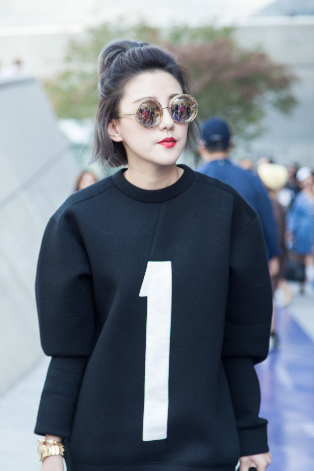 SeoulFashionWeek-SS16-street-style-mirrored-sunglasses-3