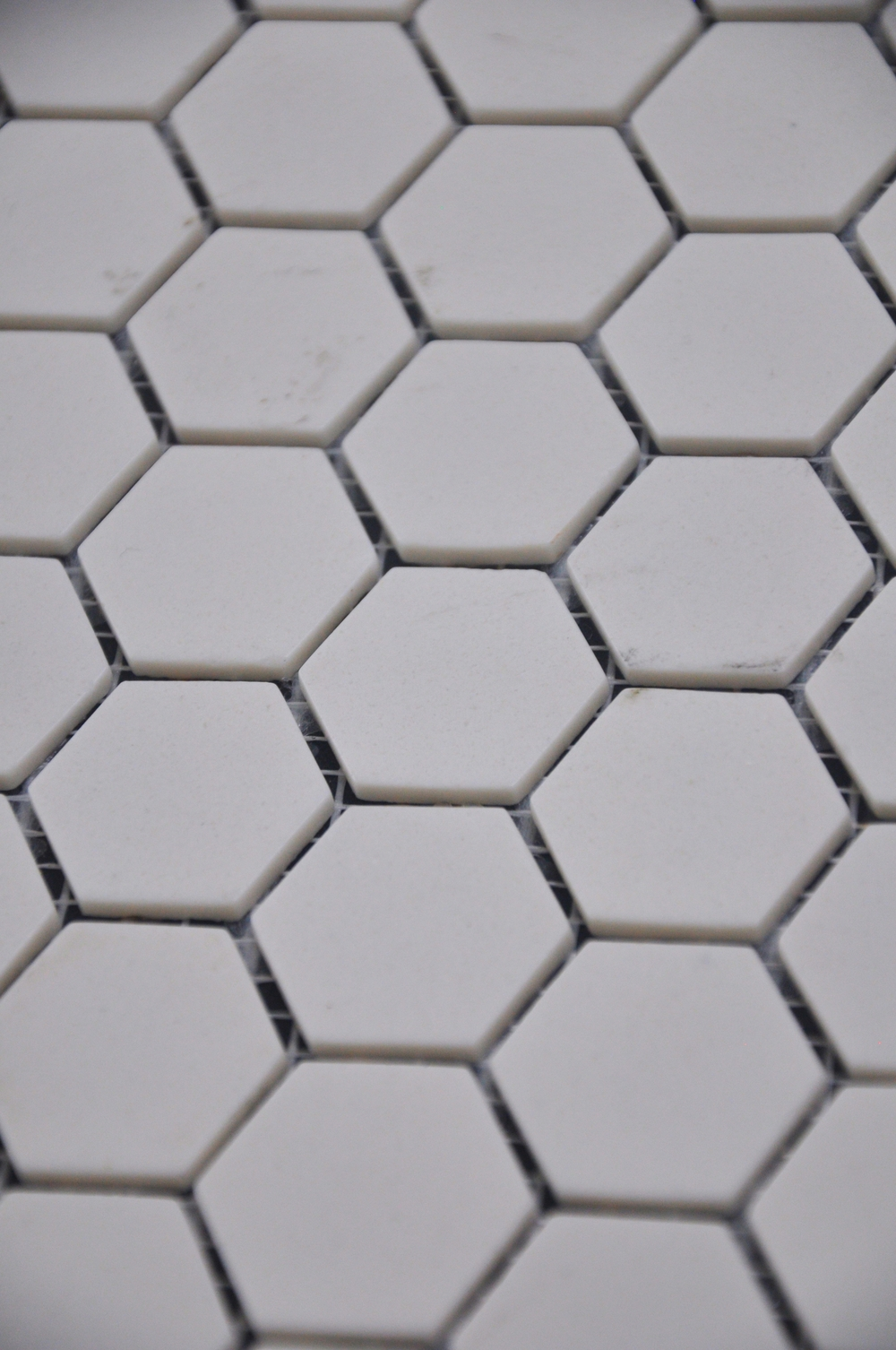 Hexagon Off White Matte
