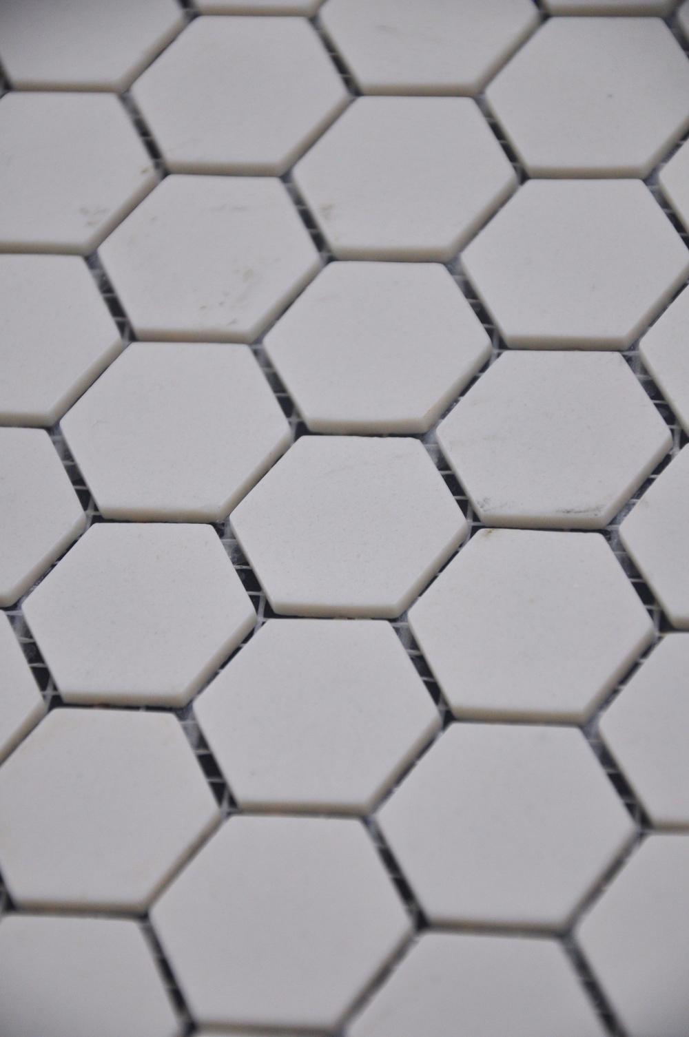Hexagon Off White Matte
