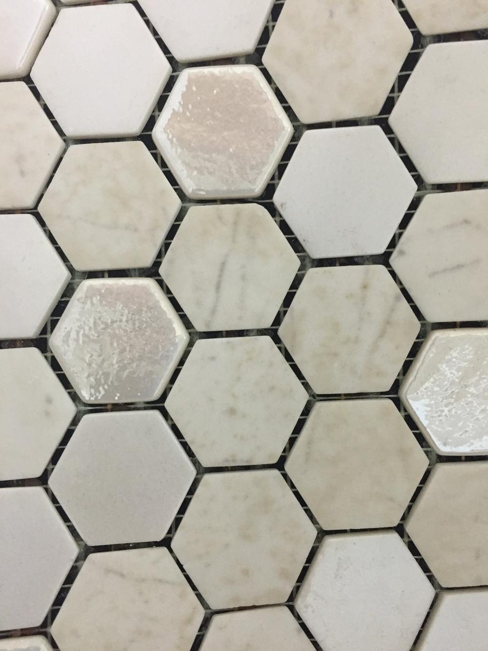 Hexagon Beige Organic