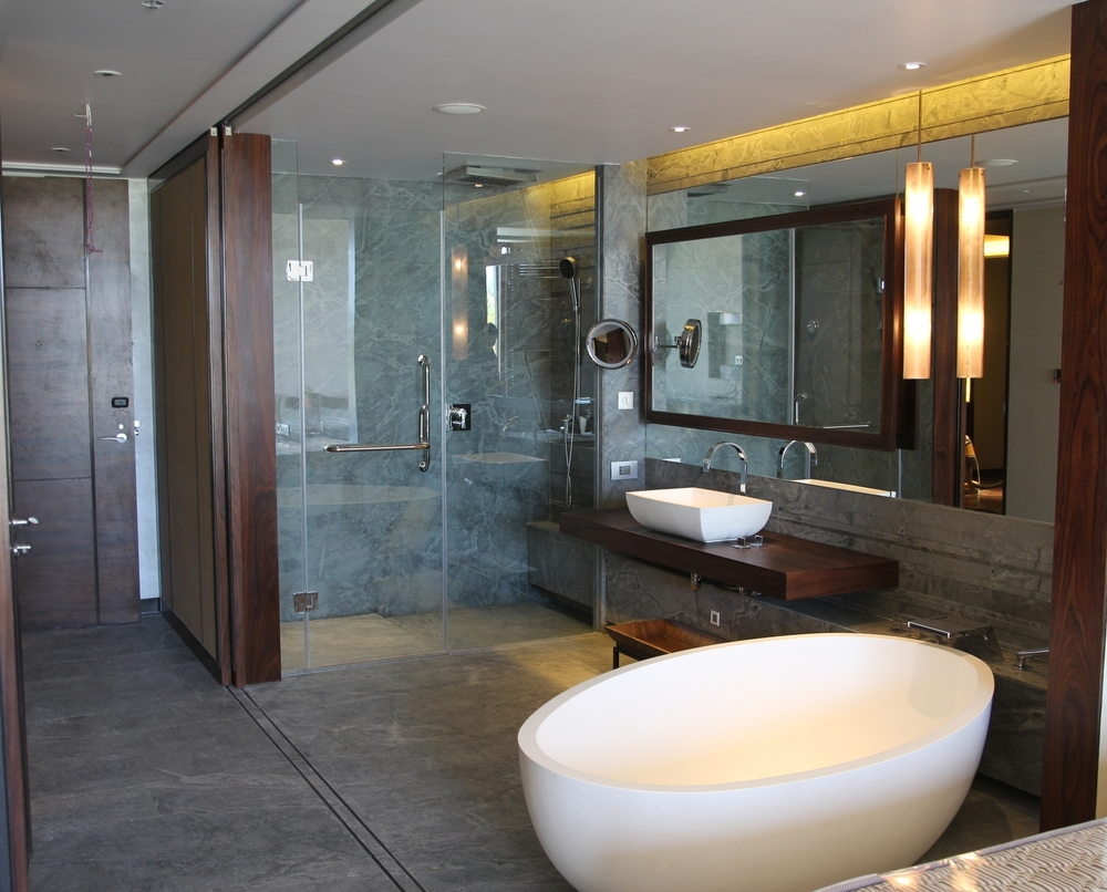 Bathroom for Westing Hotel (2).JPG