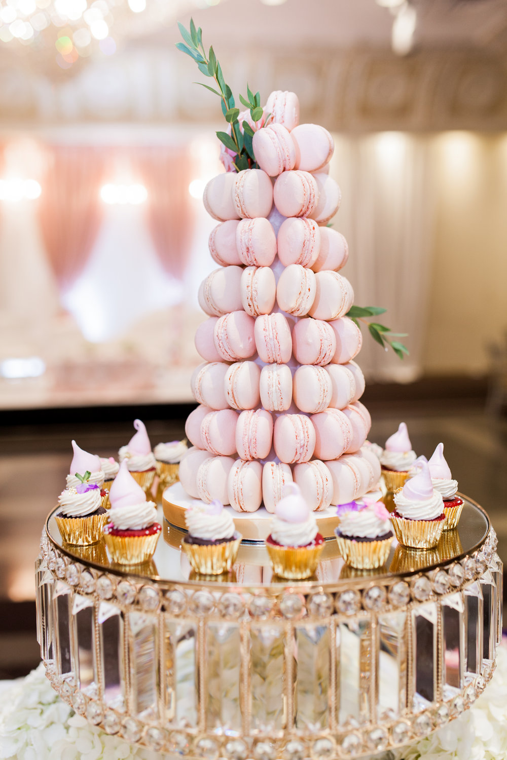 Wedding Details Toronto Photographer Le Dolci Cupcakes Meringues
