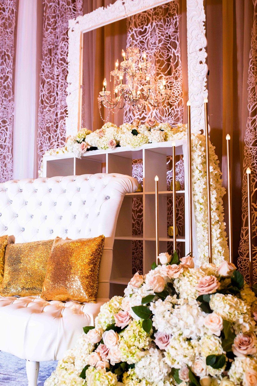 Karimah Gheddai Eritrean ethiopian somali sudanese kenyan toronto Somali Weddings Toronto Florals Wedding decor white flowers Gold Decor Markham Convention Centre