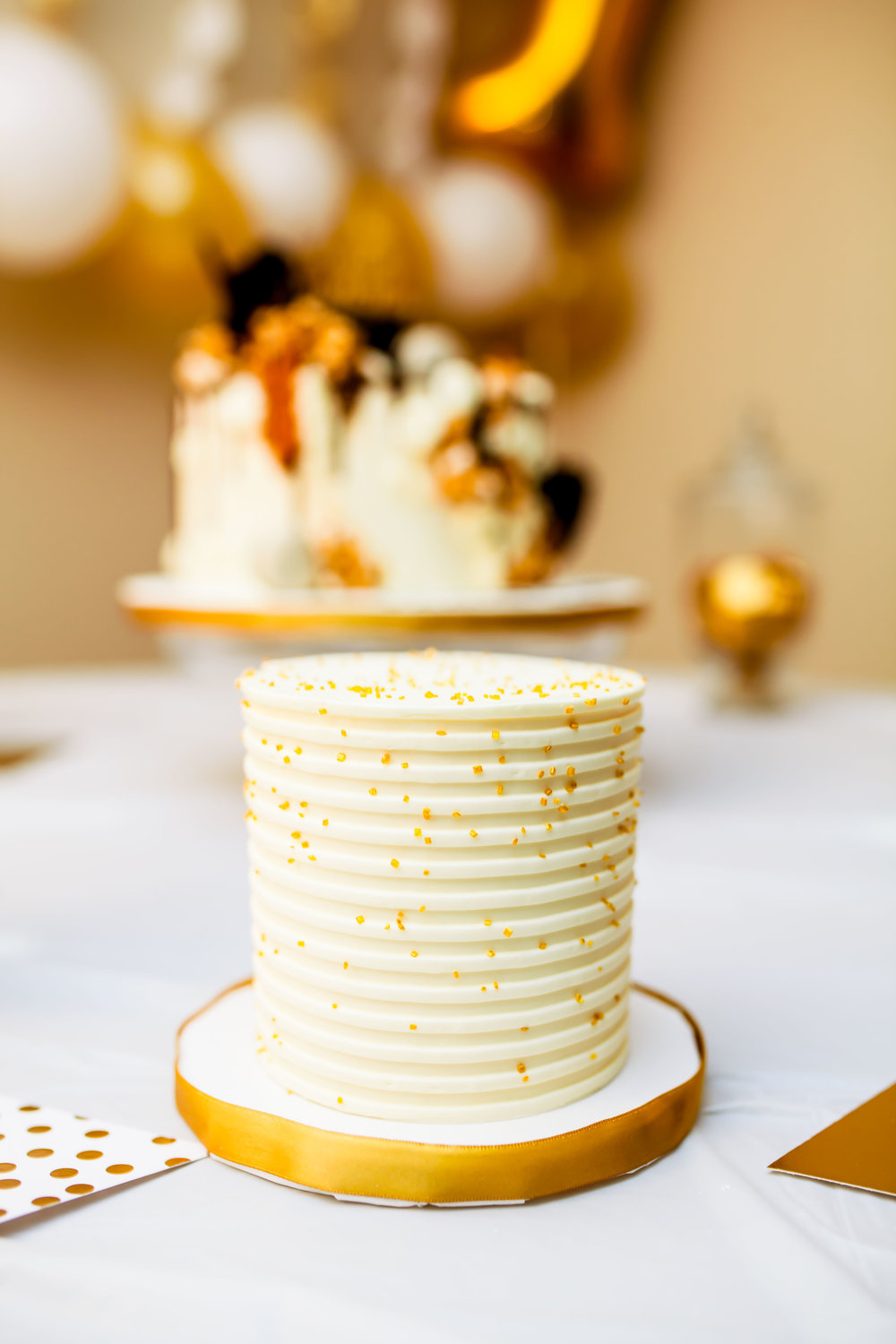 Le dolci cake toronto photographer Birthday Photographer Toronto Party Event Photographer Muslim DIY decor cute 2017 Eritrean Somali Ontario Le dolci Ideas Karimah Gheddai Photography cake drip cake