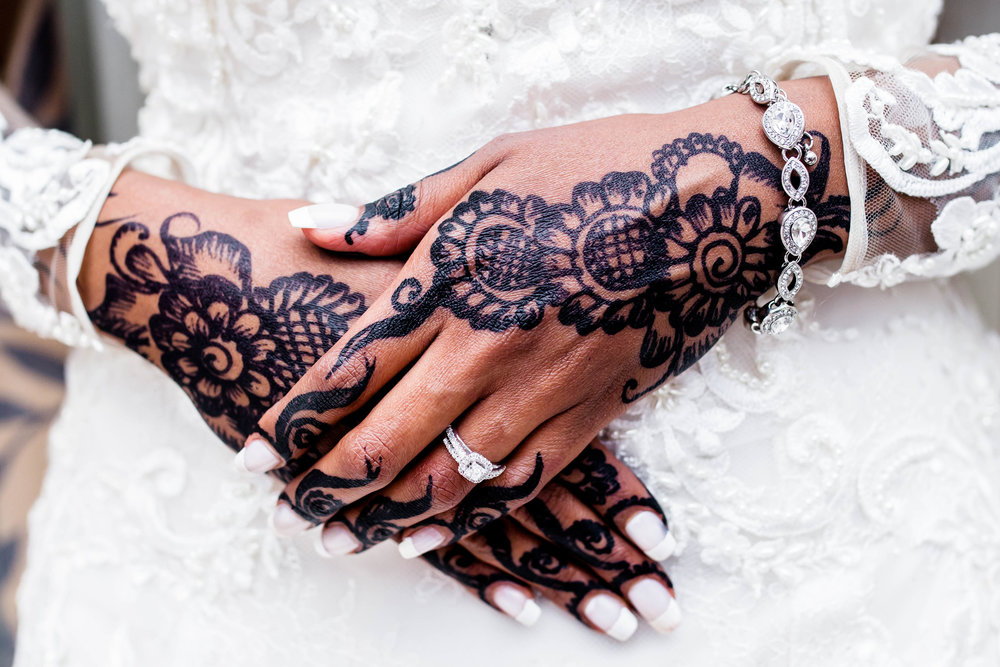 Somali Wedding Toronto Details Muslim Ethiopian Eritrean Tanzanian Toronto Ontario Royal King Banquet Hall Munaluchi Bride Egyptian Henna Black Henna Bride Cultural Islamic Babylon Decor Karimah Gheddai Photography Zuhoor Design Bouquet