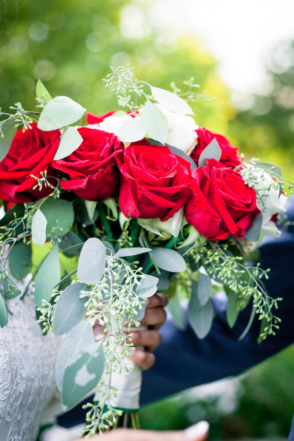 Scarborough Wedding 2018 Somali Eritrean Habesha African Abu Dhabi Maroon Blush Bouquet Scarborough Convention Centre Sultana's Wedding Decor Photographer wedding toronto dreamy Muslim Islamic Wedding bride UAE Ontario Canada Karimah Gheddai Photography Sultana's Wedding Decor Red