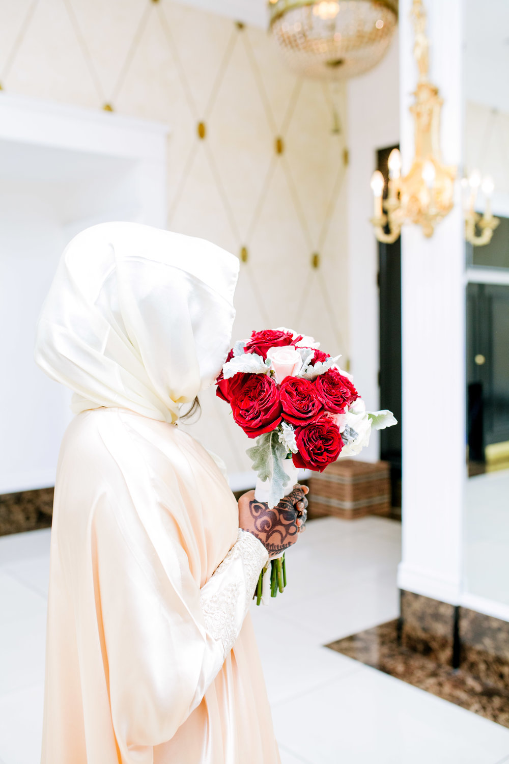 Toronto Wedding Photographer Glam Bright Photos Somali Weddings Habesha Eritrean Indian Kenyan Muslim Arab Ontario Ottawa Munaluchi Bride Karimah Gheddai Photography Eritrean Ethiopian International Destination Verdi Convention Airy necklace bridal shoes Etobicoke pink African Pakistani Golden Gold decor