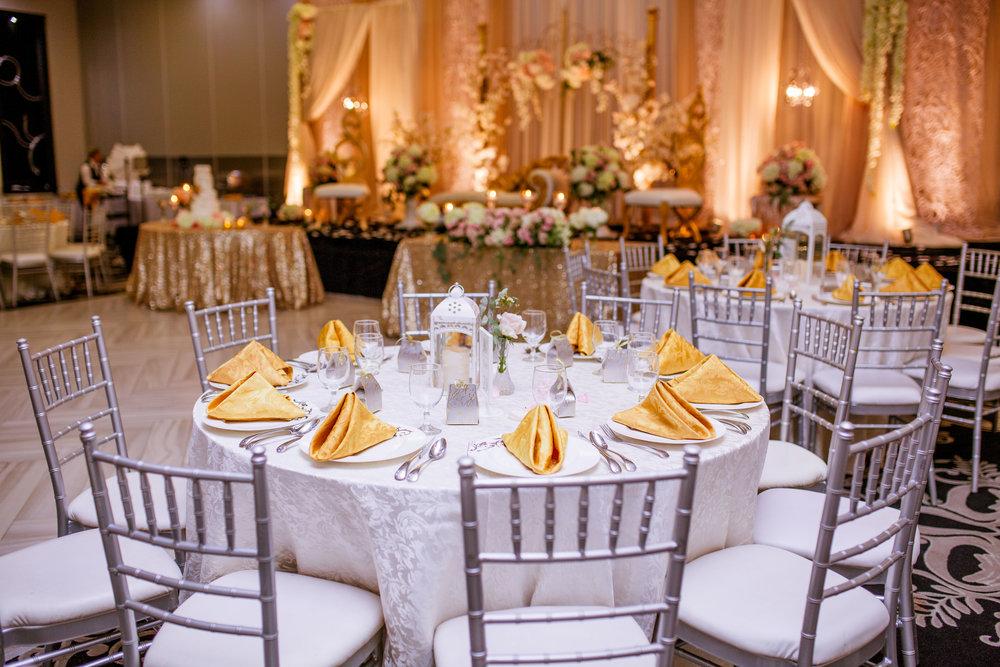 Wedding cake gold white karimah gheddai photography African Wedding Photographer Muslim Habesha Somali Pakistani Indian Sultana Wedding Decor Apollo Convention Centre Mississauga Ontario Luxury tablescacpe