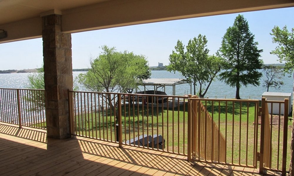 Lakeview -