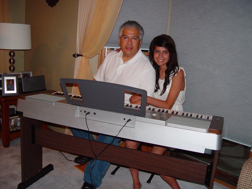 Alyssa_Dad Keyboard_DSC00020.jpg