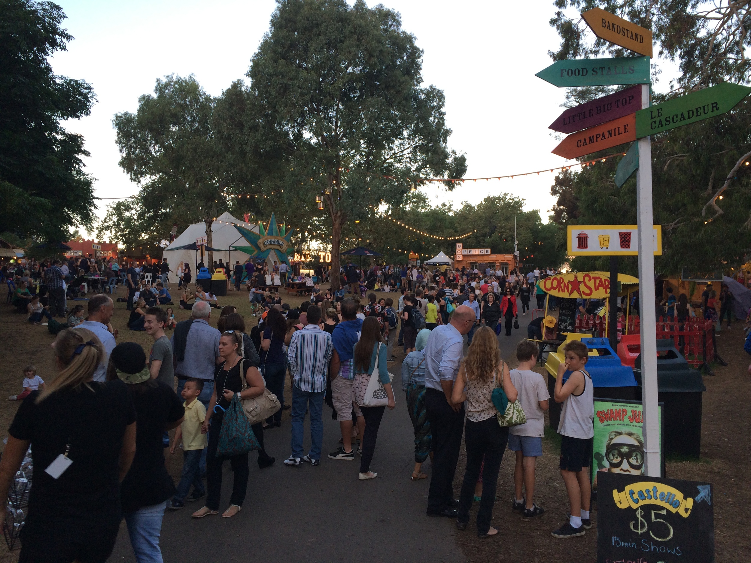 It was a packed Friday night down at the Garden of Unearthly Delights.