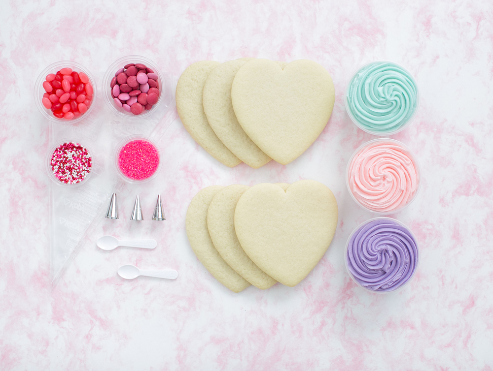 Crave Heart Shaped Cookie Decorating Kit.jpg