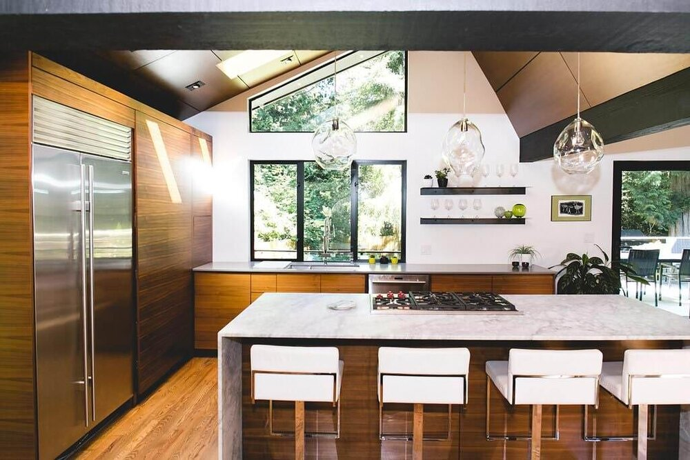 Contemporary Respite In The Woods