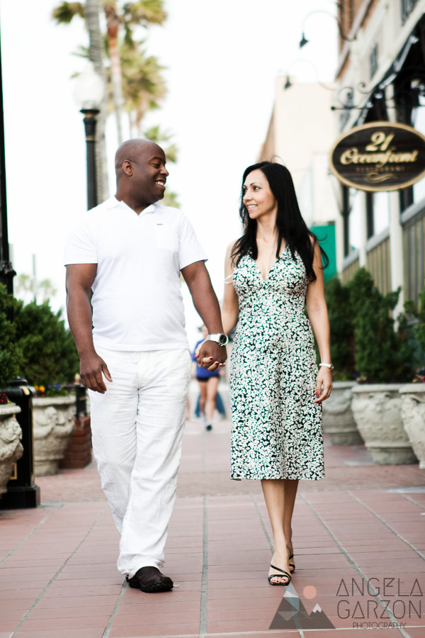 romantic-newport-beach-engagement-session-lifestyle-walking-shops-2