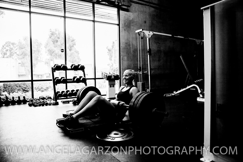 san-diego-photographer-brzn-fitness-online-training-hip-thrust.JPG