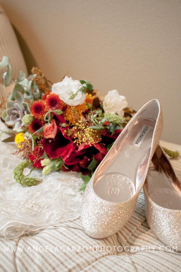 wild-flower-non-traditional-bouquet-wedding
