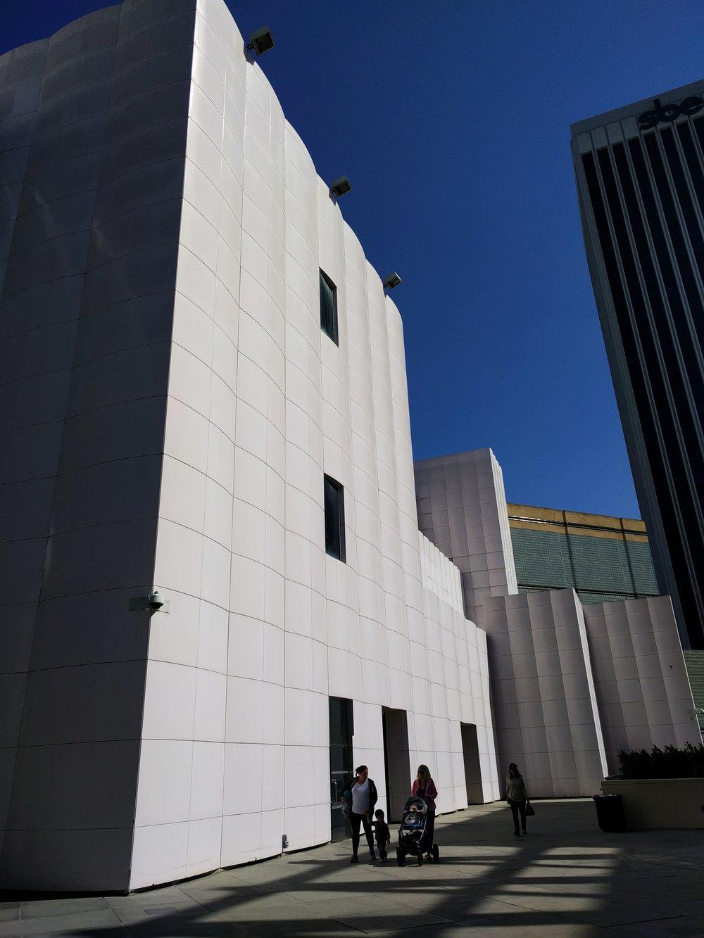 lacma-architecture-white-on-blue