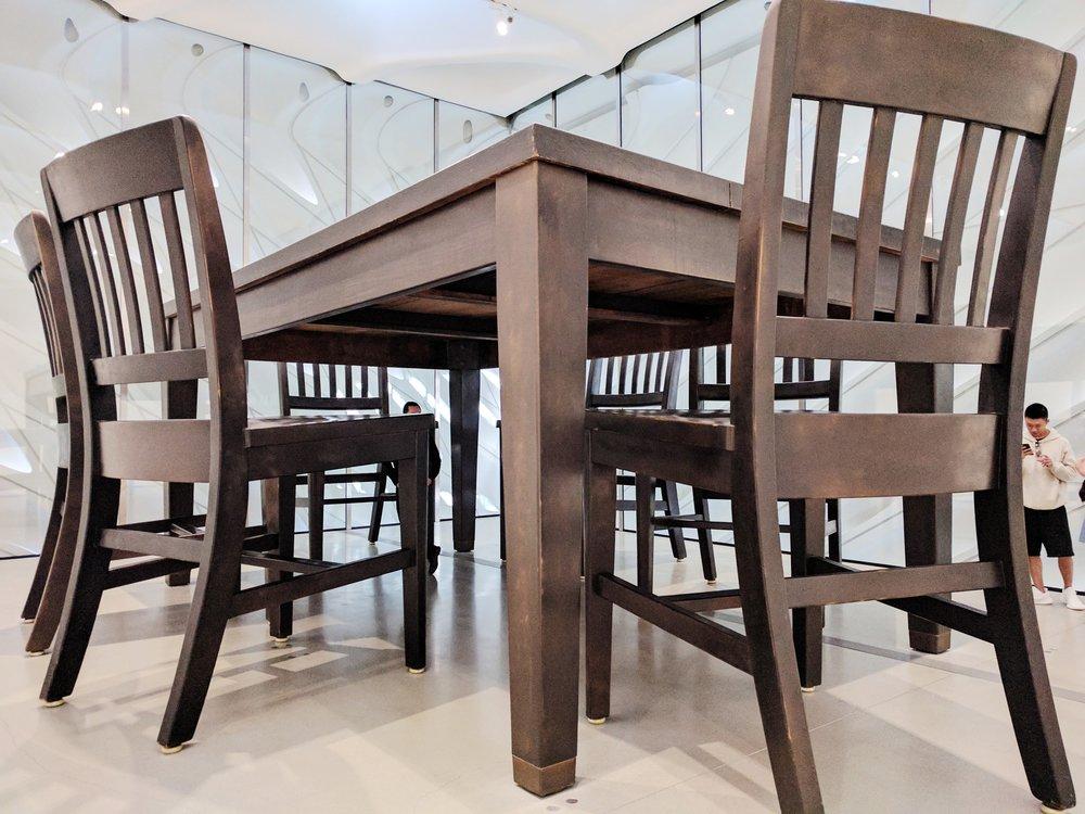 broad-la-giant-table