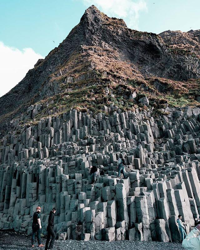 #fbf to Reynisfjara, Iceland . *Sigh* . . . #dametraveler #condenasttraveler #girlswhotravel #borntotravel #adventureiscalling #neverstopexploring #flúðir #icelandtravel #darlingescapades #globewanderer #ladiesglobal #travelphotographer #travelblogger #travelingphotographer  #iwanttoseetheworld #femmetravel #wearetravelgirls #travelawesome #wonderfulglobe #exploretocreate #huntgram #travelandlife #sheisnotlost #radgirlslife #passionpassport #wearetravelgirls #traveldreamseekers
