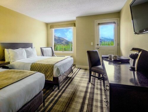 canmore-hotels-grande-rockies-guest-room-double