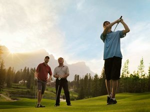 Golfing_at_Silvertip_2.jpg