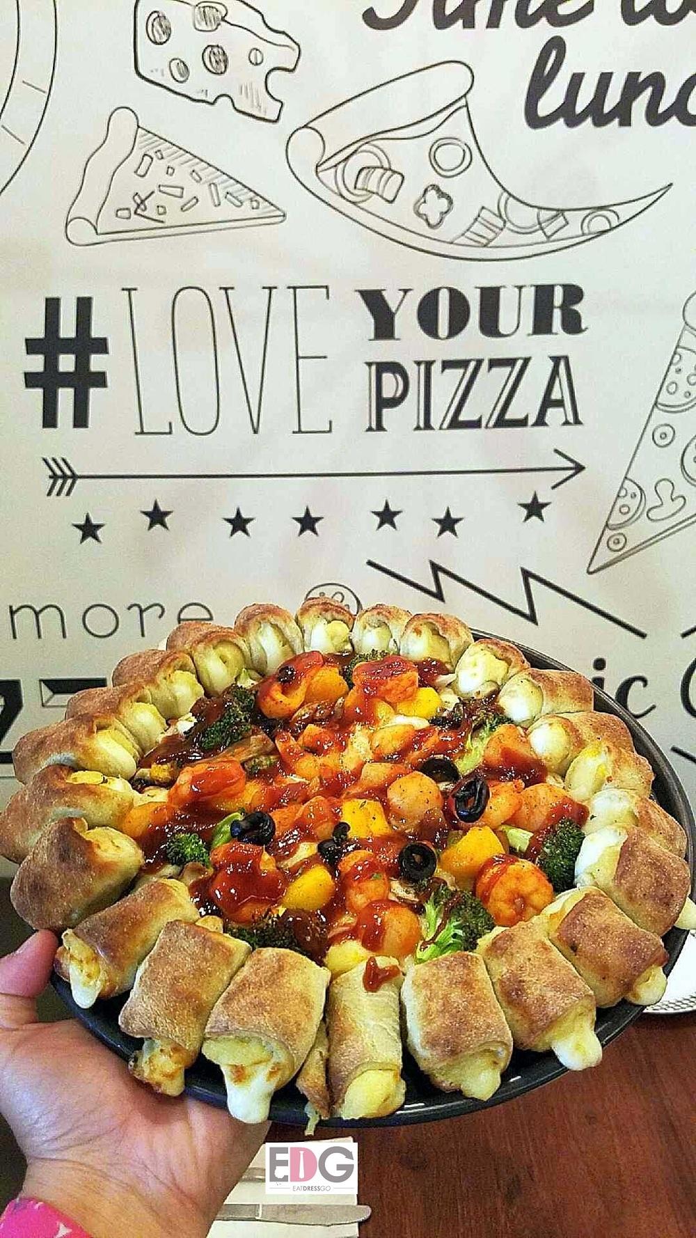 Pizzamaru_Seafood Mango Pizza.jpg