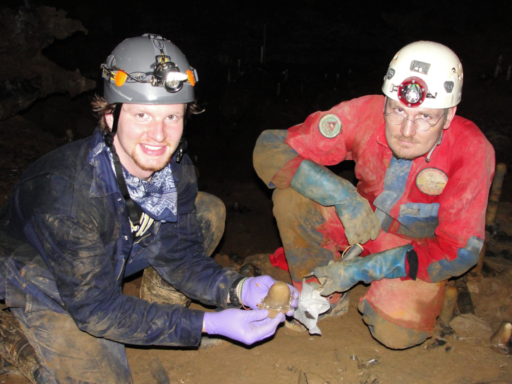 Chris Myers (VU MS 2014) and Sebastian Breitenbach (Cambridge) collect samples in India in 2012.