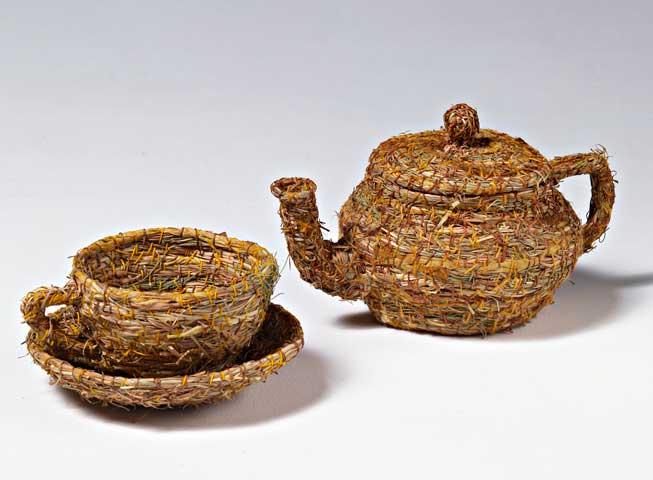 Tea pot & cup