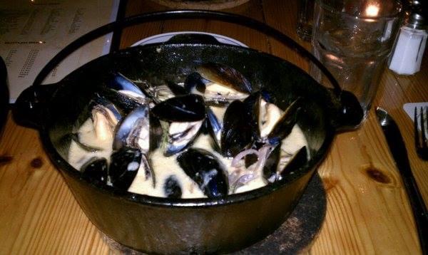st-arnolds-mussel-bar-05-a.jpg