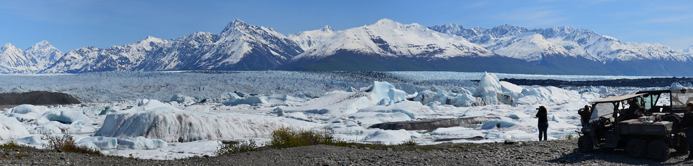 Knik Glacier 2015 05 22 Panorama 2sm.jpg