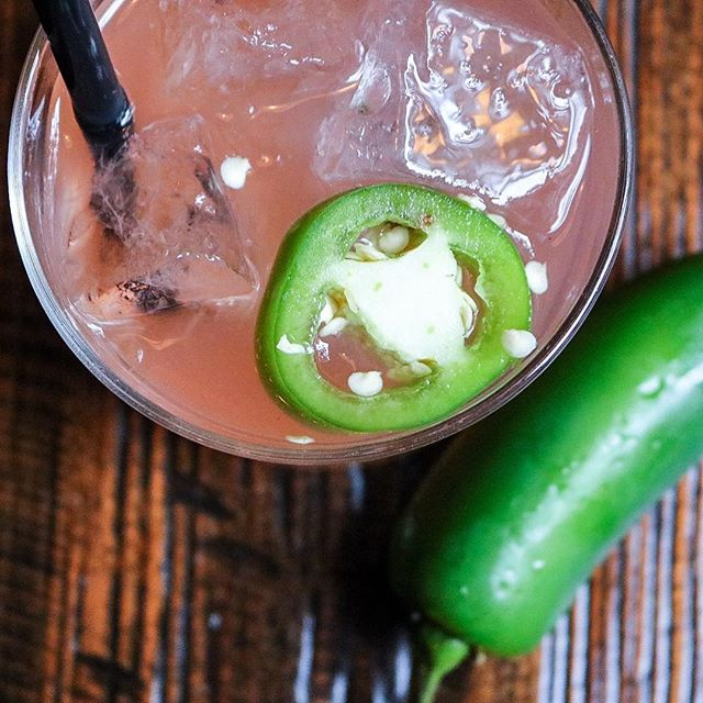 Who's ready to spice up their Monday? @madsocialchicago's is the perfect #HappyHour sipper.