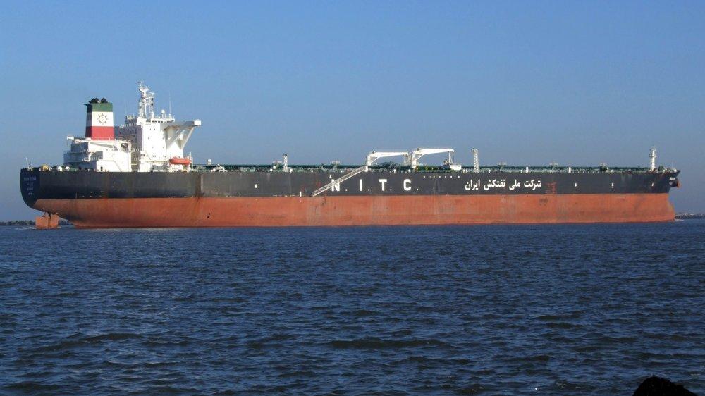 Iran_Dena_IMO_9218480_p6_approaching_Port_of_Rotterdam%2C_Holland_15-Dec-2007.jpg