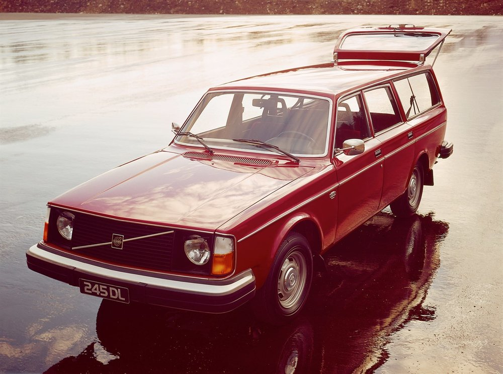 Box_1974_Volvo_245DL.jpeg