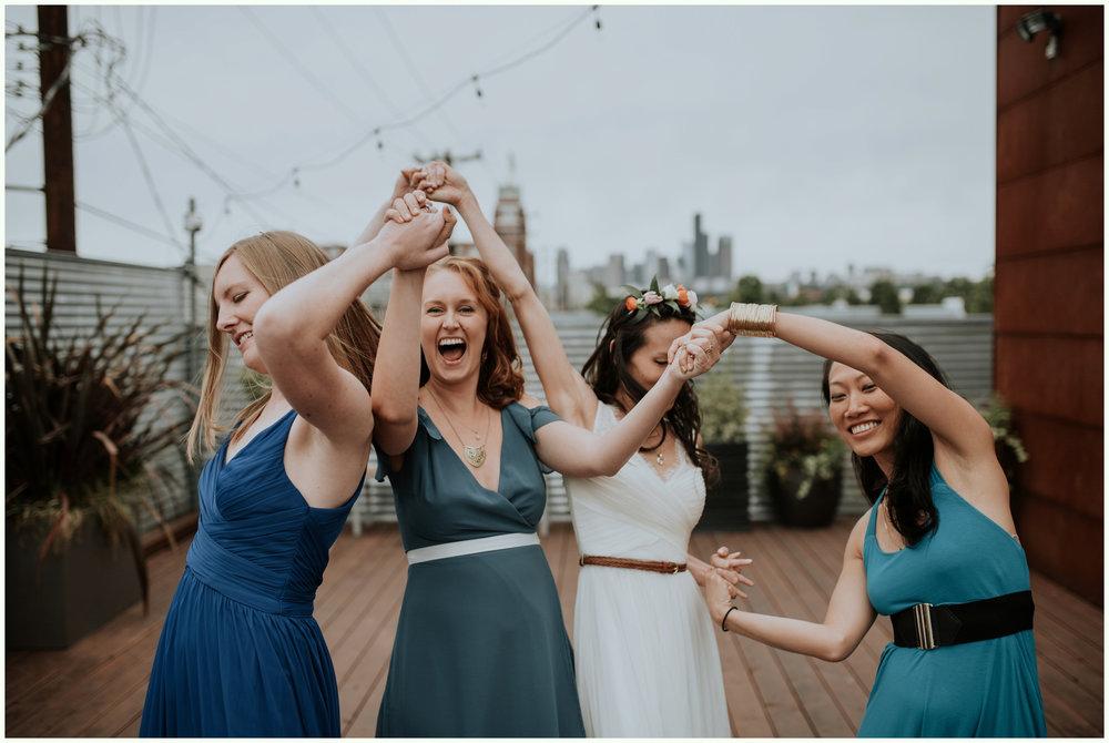 within-sodo-june-wedding-seattle-photographer-caitlyn-nikula-47.jpg