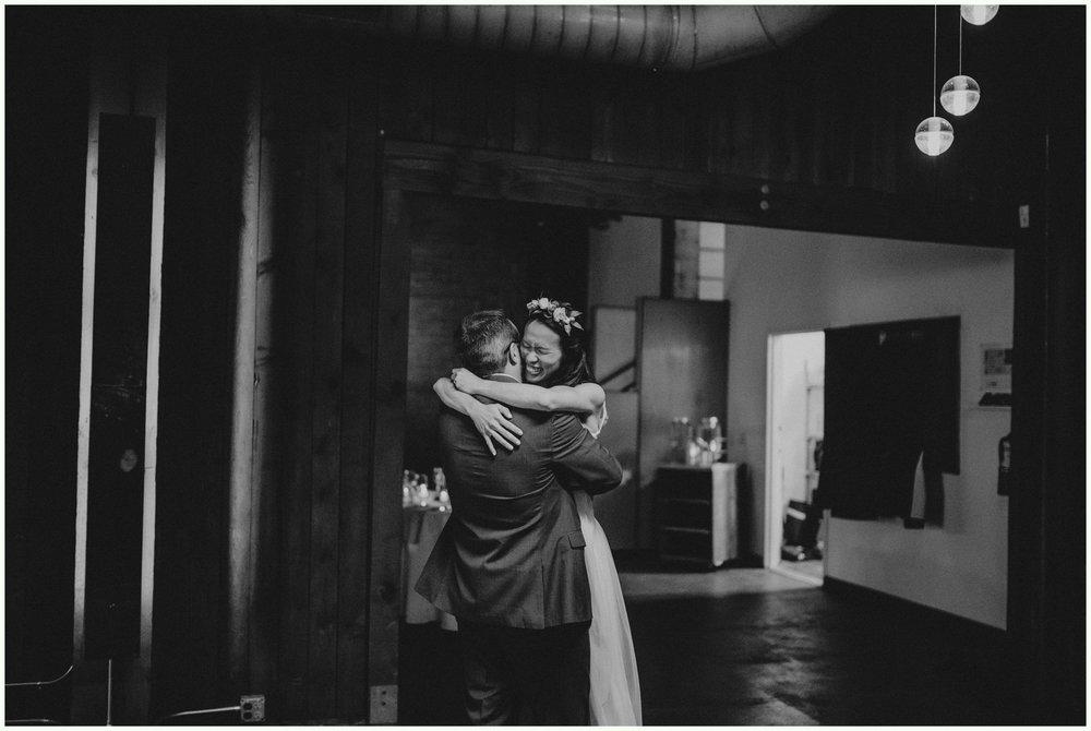 within-sodo-june-wedding-seattle-photographer-caitlyn-nikula-70.jpg