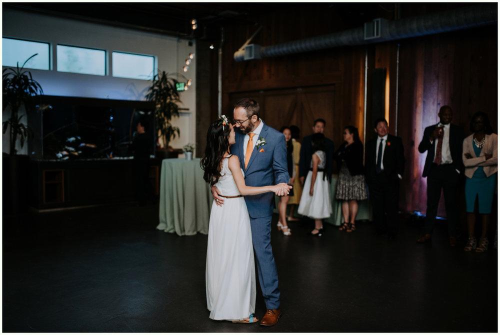 within-sodo-june-wedding-seattle-photographer-caitlyn-nikula-80.jpg