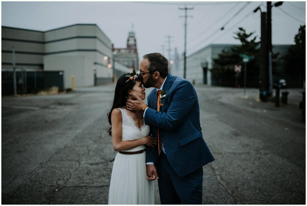 within-sodo-june-wedding-seattle-photographer-caitlyn-nikula-95.jpg