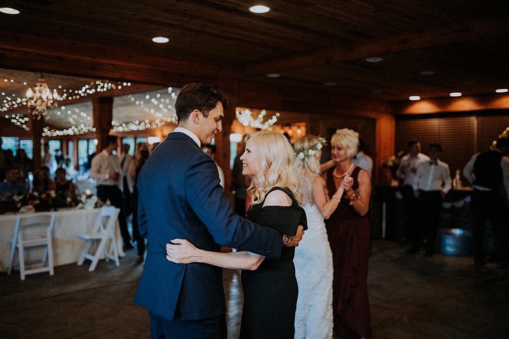 trinity-tree-farm-issaquah-washington-wedding-seattle-lifestyle-photographer-caitlyn-nikula-photography-106.jpg