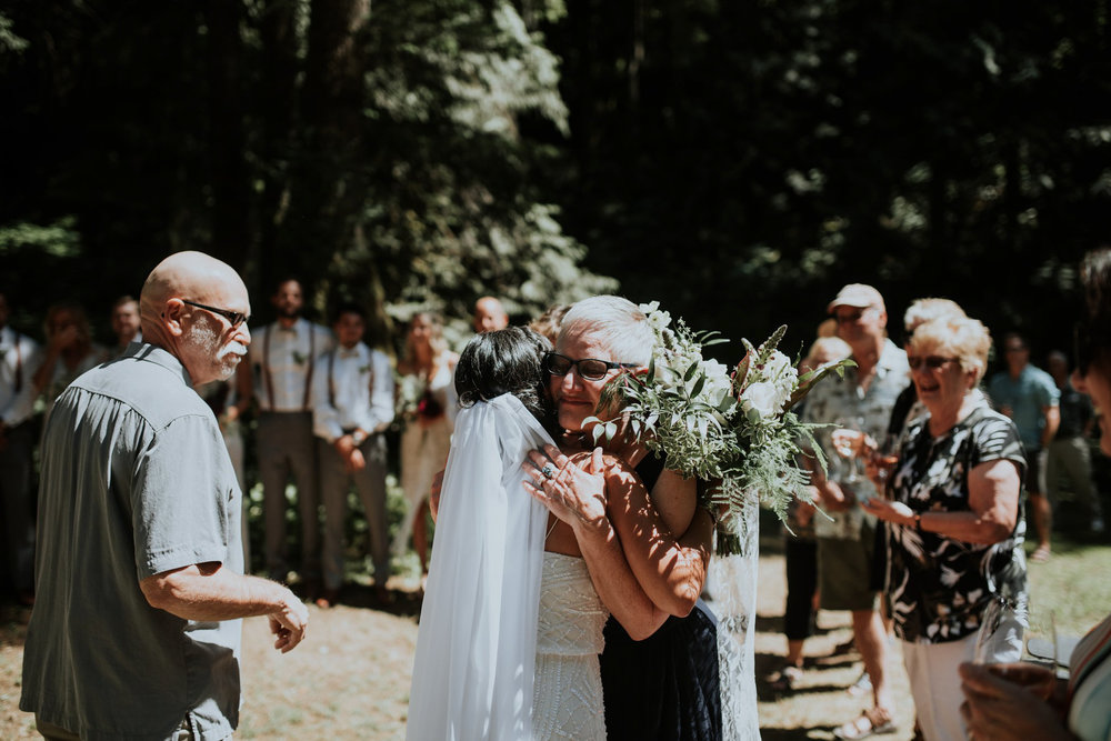 intimate-boho-campfire-wedding-shangri-la-on-the-green-seattle-wedding-photographer-caitlyn-nikula-photography-41.jpg