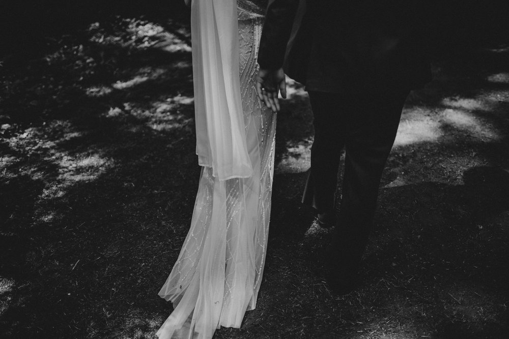 intimate-boho-campfire-wedding-shangri-la-on-the-green-seattle-wedding-photographer-caitlyn-nikula-photography-52.jpg