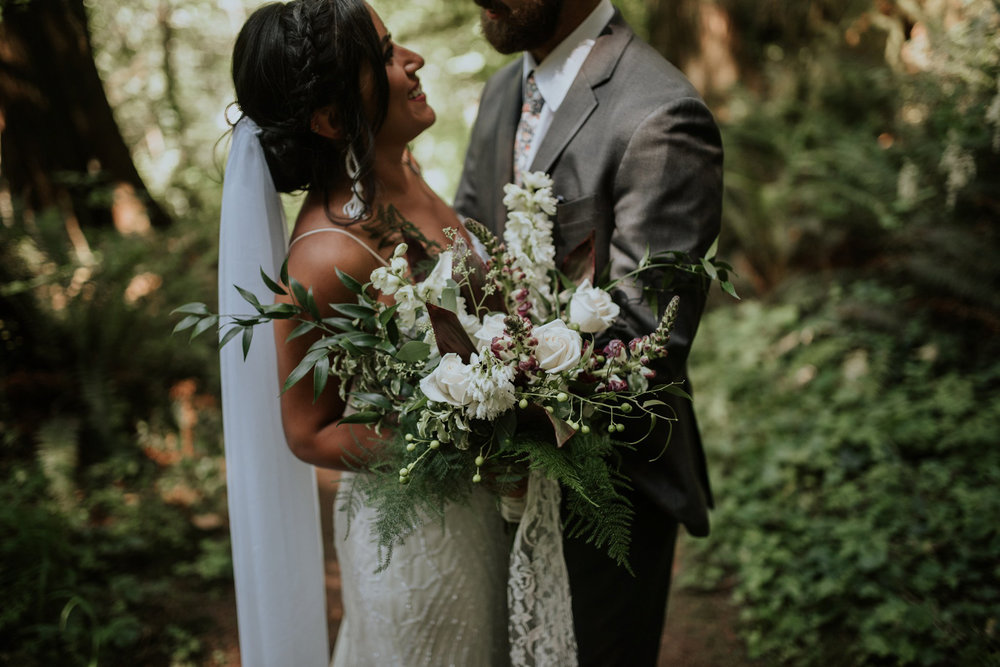 intimate-boho-campfire-wedding-shangri-la-on-the-green-seattle-wedding-photographer-caitlyn-nikula-photography-57.jpg